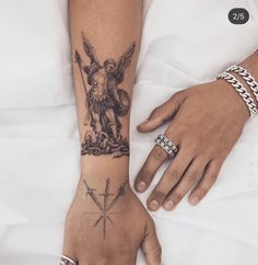 - - tattoo old school tattoo arm tattoo tattoo tattoos tattoo antebrazo arm sleeve tattoo Tattoos Bein, Dope Tattoos, Pretty Tattoos, Mini Tattoos, Leg Tattoos, Beautiful Tattoos, Tatoos, Small Hand Tattoos, Hand Tattoos For Guys