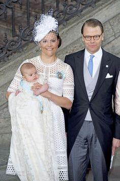 La famille royale suédoise a célébré le baptême du prince Oscar, le fils de la princesse héritière Victoria de Suède.
