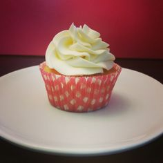 At Buttercream you will find fresh, moist cupcakes with light and fluffy buttercream frosting. Fluffy Buttercream Frosting, Moist Cupcakes, Food To Make, Check, Desserts, Recipes, Deserts, Food Recipes, Rezepte