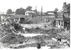 the-southampton-blitzBombing throughout the week was on a minor scale except on the nights of the 21st/22nd and 25th/26th June, when slightly heavier bombing occurred at Southampton and the surrounding district. The feature of these two nights was the greater number of parachute mines dropped. - See more at: http://ww2today.com/25th-june-1941-the-blitz-on-britain-continues#sthash.FPMzGRMW.dpuf
