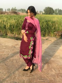 Image may contain: 1 person, standing and outdoor Punjabi Suit Boutique, Punjabi Suits Designer Boutique, Indian Designer Suits, Embroidery Suits Punjabi, Embroidery Suits Design, Embroidery Fashion, Embroidery Designs, Hand Embroidery, Dress Indian Style