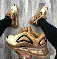 Nike Air Max 720 Club Gold Wheat Black - Funny Tutorial and Ideas Sneakers Fashion Outfits, Fashion Shoes, Ootd Fashion, Yeezy Fashion, Fashion Fashion, Cute Sneakers, Sneakers Nike, Nike Trainers, Sneaker Collection