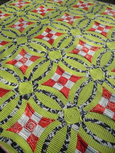 I'd change the colors out, but great pattern and gorgeous quilting   Another pinner said: Sew Kind Of Wonderful