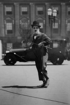 Charlie Chaplin on the set of City Lights,1931 #chaplin #film