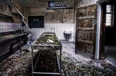 Hospital militar de Cambridge, Inglaterra. Este hospital estuvo en uso desde 1878 hasta 1996 cuando fue cerrado debido a los altos costos y el amianto de las paredes.