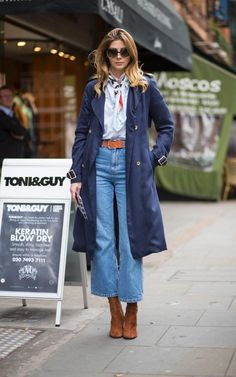 50 best street style looks from London Fashion Week so far - This is a wearable twist on the trend, with cropped wide-leg flares paired with suede boots. Source by connydoll - Mode Outfits, Jean Outfits, Fashion Outfits, Denim Culottes Outfits, Fashion Fashion, Denim Fashion, Fashion Boots, Fashion Online, How To Wear Culottes