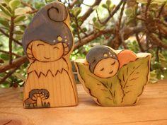 Wood Toys Mom and Child Blue Rusulla Mushroom Gnomes von MomNmee