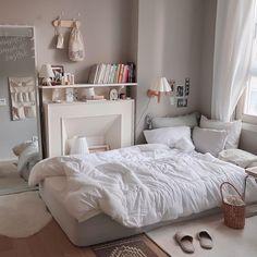 Room Design Bedroom, Room Ideas Bedroom, Bedroom Colors, Bedroom Decor, Korean Apartment Interior, Room Interior, Interior Design, Pretty Bedroom, Cute Room Decor