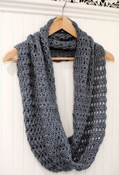 Crochet Pattern Mobius Infinity Scarf / Wrap by petalstopicots