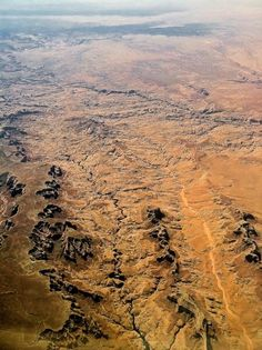 Mojave Desert from above mylittlemisspriss. Desert Road, Desert Life, Desert Aesthetic, Deserts Of The World, Earth Photos, Space Photography, Mojave Desert, Field Of Dreams, Us National Parks