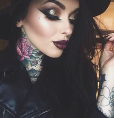 Good glitter glam eye makeup, dramatic winged eyeliner, dark red lips & her tattoos Makeup Goals, Love Makeup, Makeup Inspo, Makeup Inspiration, Makeup Tips, Beauty Makeup, Hair Beauty, Makeup Style, Flawless Makeup