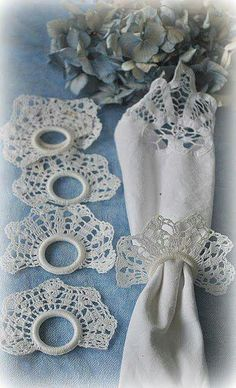 Crochet Napkin Rings - no pattern Crochet Motifs, Thread Crochet, Crochet Doilies, Crochet Flowers, Knit Crochet, Crochet Patterns, Crochet Kitchen, Crochet Home, Crochet Gifts