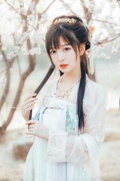 Beautiful Japanese Girl, Beautiful Girl Image, Beautiful Asian Girls, Asian Cosplay, Cosplay Girls, Hanfu, Cute Asian Girls, Cute Girls, Chinese Traditional Costume