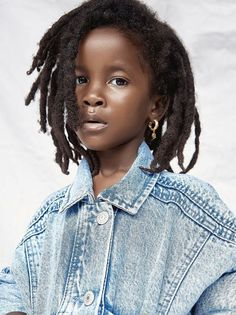 dearfuturekids I really hope that you decide to go this route with your hair. The choice is yours butttt I would so want your hair to be like this iminlove locs freeform blackisbeautiful Natural Hairstyles For Kids, Trendy Hairstyles, Girl Hairstyles, Natural Hair Styles, Short Haircuts, Kids With Dreadlocks, New Hair, Your Hair, Beautiful Dreadlocks