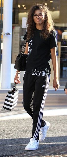 d843aec38681b9 Taking some time out  On Friday multi-talented Zendaya kept things low key  as