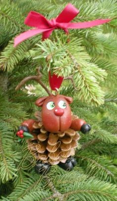 love the little face! Clay Ornaments, Diy Christmas Ornaments, Holiday Crafts, Christmas Decorations, Christmas In July, Winter Christmas, Xmas, Polymer Clay Projects, Clay Crafts