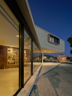 Concrete cantilevered house in Spain