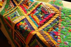 string quilt with clamshell quilting