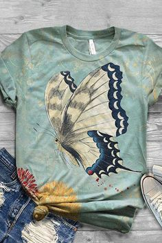 Vintage Graphic Print Paneled Short Sleeves T-shirt – Diorer Shirts & Tops, Casual T Shirts, Mom Shirts, T Shirts For Women, Vintage Butterfly, Butterfly Print, Vintage Cartoon, Vintage Graphic, Mode Kimono