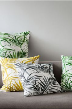 Cotton cushion cover: Cushion cover in cotton with an all-over print and concealed zip.