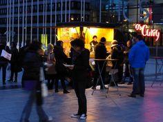 """www.facebook.com/Food.Truck.Catering.de/  Food Truck Catering mit Kult-Imbisswagen O's ® """"Freddy"""" 🚚💨 Verfügbar an über 50 Standorten in Deutschland – siehe unten. Dein Event – deine Party – unsere TRUCKs."""