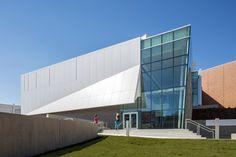 Museo de arte Zuckerman / Stanley Beaman & Sears