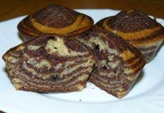 Zebra muffin recept képpel. Hozzávalók és az elkészítés részletes leírása. A zebra muffin elkészítési ideje: 45 perc Ital Food, Cap Cake, Zebras, Croissant, Fudge, French Toast, Food And Drink, Sweets, Cookies
