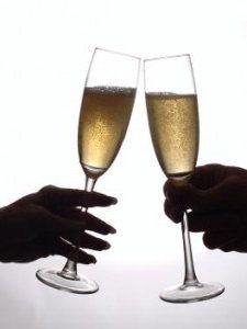 Efervescenţa vinurilor spumante, bine răcite la momentul servirii, poate asigura bunădispoziţia şi deconectarea la ceas de seară, mai ales după o zi tori