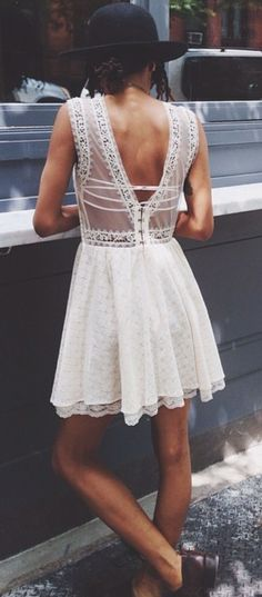 White lace vintage dress☼ ☾ Follow me on instagram: 2turnttori ☼ ☾