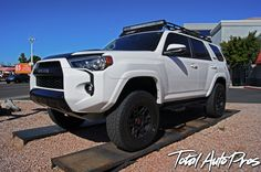 """2014 Toyota 4Runner TRD Pro White 