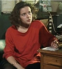 Julia Sawalha as the greatest female character Steven Moffat created, Lynda Day in Press Gang. Julia Sawalha, Keith Allen, Left Handed People, Steven Moffat, Celebrity Faces, Female Characters, Pop Culture, Style Me, Crushes