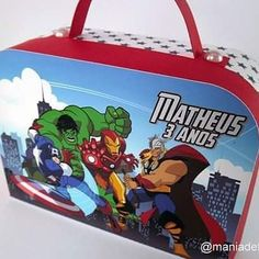 "Nossa maletinha ""Os Vingadores"" #boanoite #osvingadores #theavengers #hulk #capitaoamerica #thor #homemdeferro #superherois #festaherois #festasuperherois #festademenino #maedemenino #maletinha #papelariapersonalizada"
