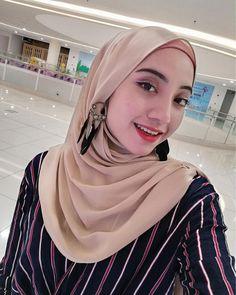 Beautiful Hijab, Pashmina Scarf, Hijab Fashion, Shawl, Style, Swag, Veils, Cashmere Scarf, Street Hijab Fashion