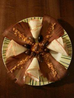 Antipasto : carpaccio di tonno, coraya,   zest d'arancia e olive kalamata