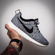 Splatter Mock-Up Nike Roshe Run