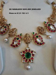 SRI MAHALAXMI Gems and Jewellers Indian Jewelry Sets, Indian Wedding Jewelry, India Jewelry, Ruby Jewelry, Diamond Jewelry, Gold Jewelry Simple, Simple Necklace, Gold Necklace, Antique Necklace