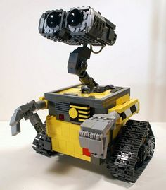 Disney/Pixar robot Wall*E made from Lego.