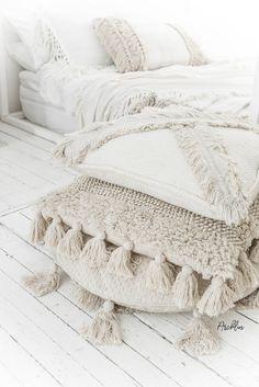 Home Decoration Design .Home Decoration Design Diy Pillows, Floor Pillows, Boho Throw Pillows, Bohemian Pillows, Home Bedroom, Bedroom Decor, Wall Decor, Pillow Texture, Boho Room