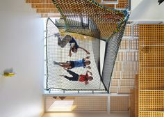 *주택 내에서 그물을 활용한 6가지 실례-Six homes that use nets to create suspended play spaces for children :: 5osA: [오사]