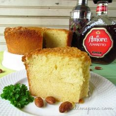 Amaretto Pound Cake - buttery pound cake is flavor with this mouth-watering amar. Amaretto Pound Cake – buttery pound cake is flavor with this mouth-watering amaretto Pastel De Amaretto, Amaretto Cake, Amaretto Pound Cake Recipe, Köstliche Desserts, Dessert Recipes, Bolo Cake, Pound Cake Recipes, Pound Cakes, How Sweet Eats