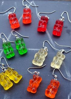 If you still love the memory of gummy bears REAL Gummy Bear Earrings non-edible by TheCharmingMantis on Etsy Weird Jewelry, Funky Jewelry, Cute Jewelry, Jewelry Crafts, Resin Crafts, Funky Earrings, Kids Earrings, Grunge Jewelry, Accesorios Casual