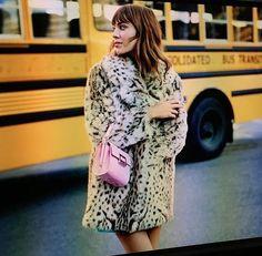 Alexa Chung - mini pink bag