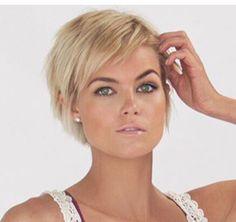 Medium Style Haircuts haircut styles for medium hair 2014 Short Hair Styles Easy, Short Hair With Layers, Hair Styles 2014, Short Hair Cuts For Women, Medium Hair Styles, Messy Short Hair, Haircut For Thick Hair, Pixie Haircut, Haircut Medium