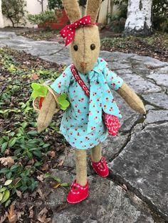 Bit of Tea & Honey Raggy Dolls, Felt Bunny, Doll Dress Patterns, Bunny Rabbits, Fat Quarter Shop, Creative Crafts, Soft Colors, Softies, Stuffed Animals