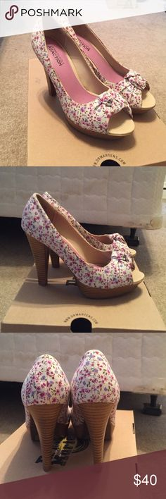 Kenneth Cole reaction floral peep toe heels Worn once. Show no signs of wear. Pretty much new condition. Kenneth Cole Reaction Shoes Heels