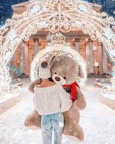 Discover recipes, home ideas, style inspiration and other ideas to try. Big Teddy, Teddy Girl, Cute Teddy Bears, Cute Girl Wallpaper, Bear Wallpaper, Cute Photography, Winter Photography, Teddy Bear Cakes, Teddy Bear Pictures