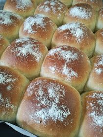 pikku murusia: Superpehmeät perunasämpylät Bread Recipes, Cooking Recipes, Cooking Tips, Savory Pastry, Delicious Donuts, Bread Rolls, Breakfast Time, Daily Bread, Sweet And Salty