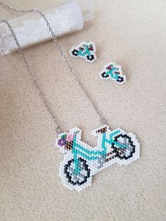 Seed Bead Patterns, Beading Patterns, Rakhi Design, Beaded Animals, Peyote Stitch, Brick Stitch, Earrings Handmade, Jewelry Crafts, Seed Beads