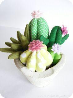Risultati immagini per felt cactus pattern Felt Flowers, Diy Flowers, Fabric Flowers, Cactus Fabric, Felt Crafts, Diy And Crafts, Cactus E Suculentas, Cactus Craft, Felt Succulents