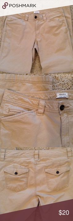Dockers khakis, mid rise, curvy Straight leg khakis, cotton and 2% spandex. 36 inch waist, 9.25 inch rise, 31 inch inseam. Excellent condition. Dockers Pants Straight Leg